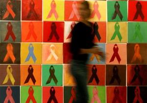 Корреспондент: Обратный отсчет. Число новых ВИЧ-инфицированных в Украине пошло на убыль