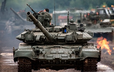 Новейший российский танк поломался на репетиции парада