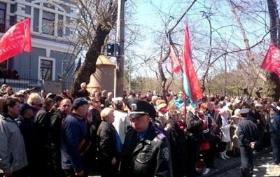 В Одессе возникла потасовка между сторонниками и противниками Майдана