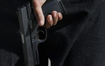 На Пасху в Житомире двое мужчин устроили стрельбу в магазине