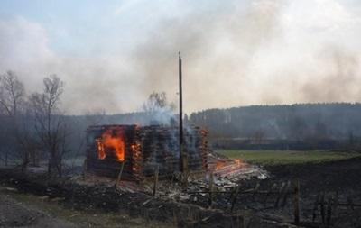 В Киевской области горят дачные участки