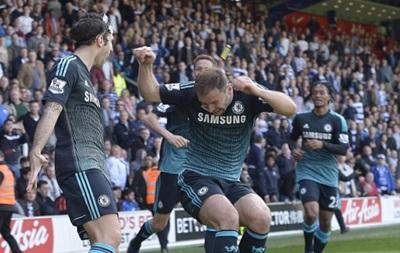 Защитник Челси получил по голове зажигалкой с трибун