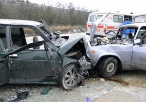 В Крыму в ДТП погибла женщина, и семь человек получили травмы