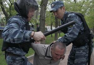 Пресс-секретарь Путина - эсеру: За раненого омоновца печень митингующих надо размазать по асфальту