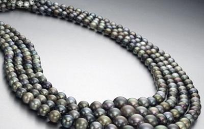 На аукционе продали жемчужное ожерелье за 5,1 миллиона долларов
