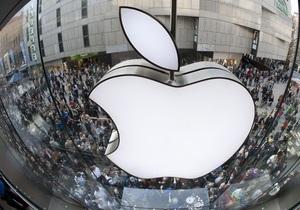 Магазины Apple во всем мире в память о Джобсе погасили яблочные логотипы