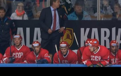 Сборная России по хоккею вышла на матч против команды Финляндии в форме СССР