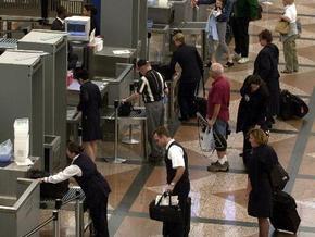 Власти ЕС могут разрешить проносить жидкости на борт самолета