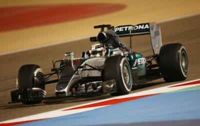 Формула-1: Хэмилтон берет поул, Феттель - второй