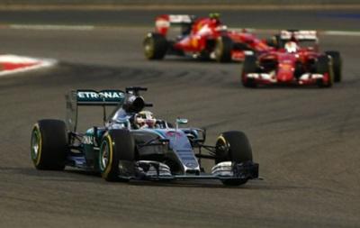 Формула 1: Льюис Хэмилтон выигрывает Гран-при Бахрейна