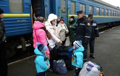 Из зоны АТО и Крыма продолжают прибывать переселенцы - ГосЧС