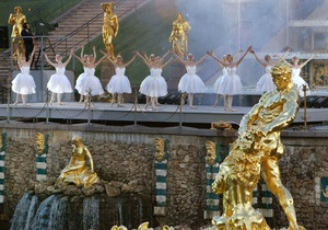 Новости России: В Петербурге фонтан Лебединое озеро вывели из строя, вылив в него шампунь