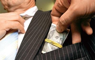 На Киевщине два чиновника попались на взятке в 600 тысяч долларов