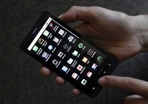 Количество смартфонов в сетях крупнейших украинских мобильных операторов растет ударными темпами