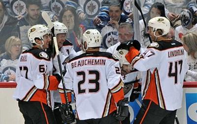 NHL: Победы Оттавы и Рейнджерс, злой Сент-Луис, вылет Виннипега