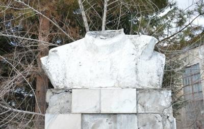 В России снесли памятник Ленину