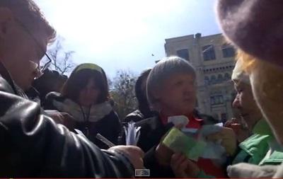 Оппозиционный блок заподозрили в раздаче денег митингующим под Радой