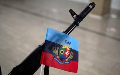 В ЛНР приняли  закон  о военном положении