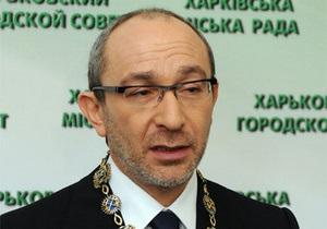 Кернес экономит: в харьковском горсовете чиновникам сократили надбавки и премии на 15%