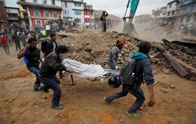 Итоги 25 апреля: Землетрясение в Непале, визит Порошенко на Николаевщину