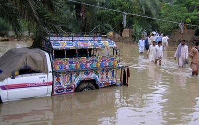 В результате наводнения в Пакистане погибли 37 человек