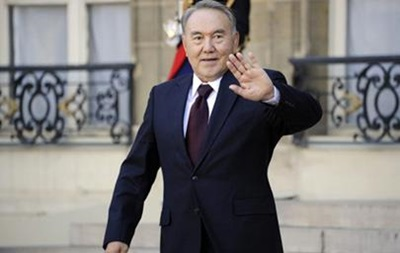 ЦИК Казахстана: Назарбаев набирает 97,7% голосов