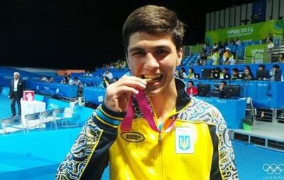 Бокс: Промоутеры забрали в США юного таланта из Украины
