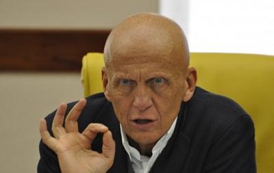 ФФУ раздумывает над продлением контракта с Коллиной