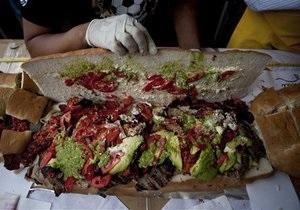 В Мексике изготовили самый большой в стране сэндвич