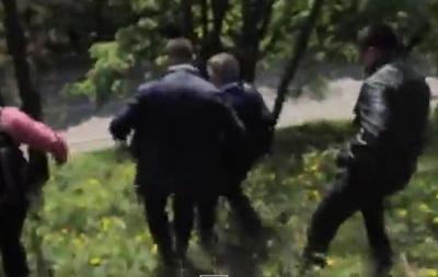 Появилось видео побега Симоненко с первомайского митинга