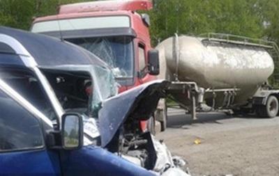 В ДТП в Ивано-Франковской области пострадали шесть человек