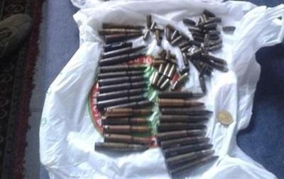 У киевлянина изъяли оружие и боеприпасы, привезенные из АТО