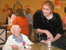 В доме престарелых в США умерла самая высокая в мире женщина