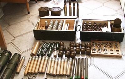 На Прикарпатье у военного изъяли 11 гранатометов и более 30 гранат