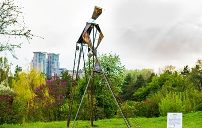 В Киеве установили 15 креативных скульптур