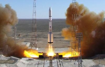 Российская ракета Протон с мексиканским спутником упала в Сибири