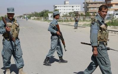 Заминированный автомобиль взорвался у аэропорта в Кабуле
