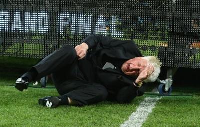 Падение футбольного чиновника в Австралии  разорвало интернет