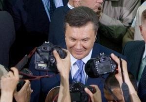 Охрана Януковича повалила журналиста СТБ на пол