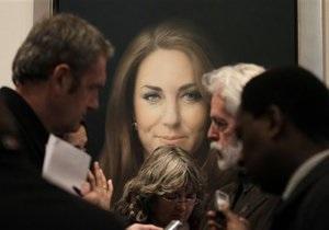 В Лондоне презентовали первый официальный портрет Кейт Миддлтон