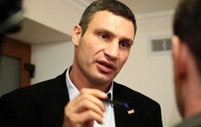 Кличко требует от застройщика на Осокорках сложить депутатский мандат