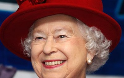 Болельщик Арсенала попросил у королевы Великобритании билеты на футбол