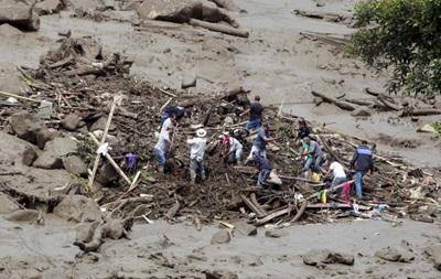 Число жертв оползня в Колумбии превысило 90 человек