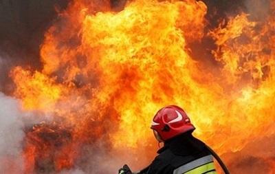 В Харькове на бывшем АТП сгорели автомобили
