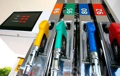 Продажи топлива в Украине упали на треть