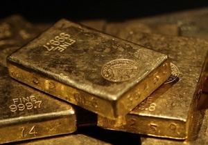 Золото дорожает на негативных новостях о долговом кризисе в ЕС