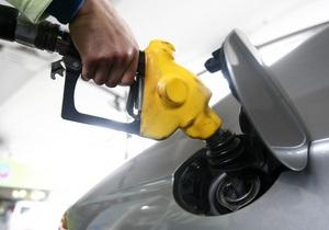 Азаров заявил, что Кабмин не ограничивал цену на бензин и дизельное топливо