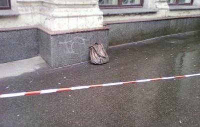 В центре Киева перекрыли движение из-за неизвестной сумки