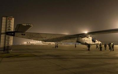 Самолет на солнечных батареях прервал перелет через Тихий океан