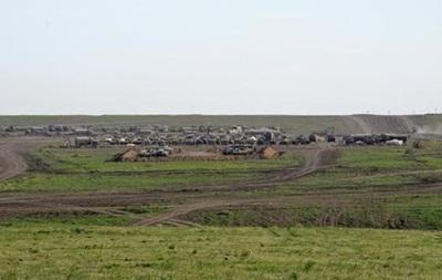 Возле Херсонской области замаскировали российскую технику - пограничники